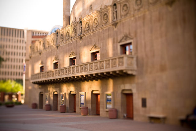 East-side-of-orpheum-theatre