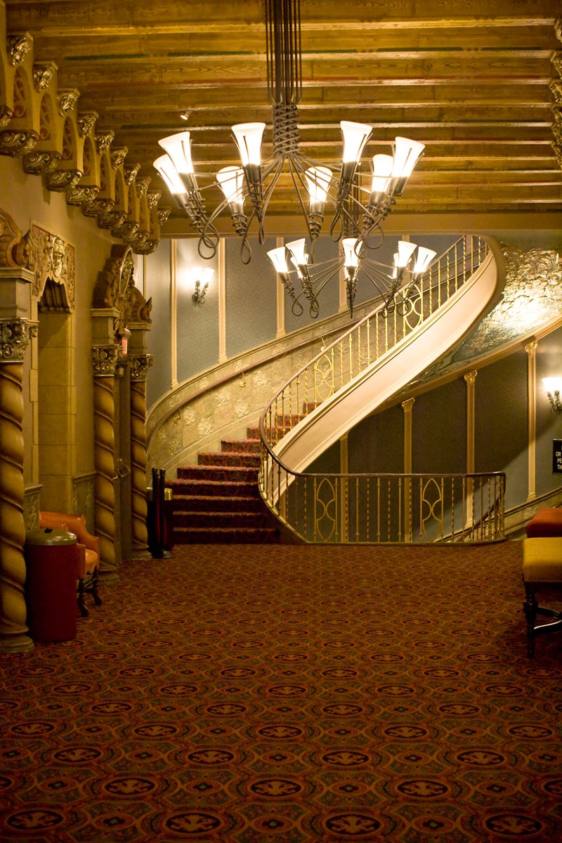 Orpheum-theatre-grand-stairs