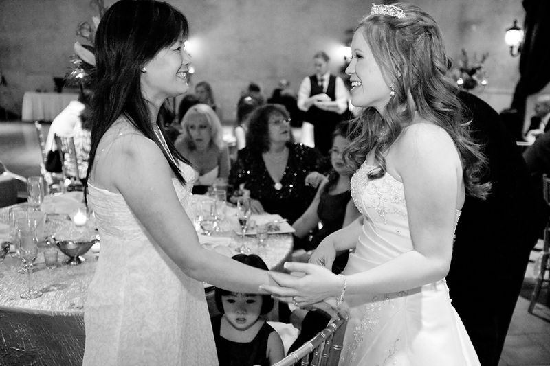 Lan-and-her-sister~Lan-and-Ron's-Wedding-at-Ashley-Manor-in-Chandler,-Arizona~copyright-BRENDAEDENPHOTOGRAPHY.COM